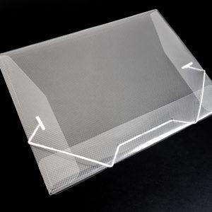 Pasta transparente